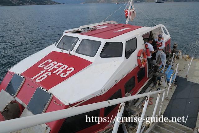 テンダーボード クルーズ船