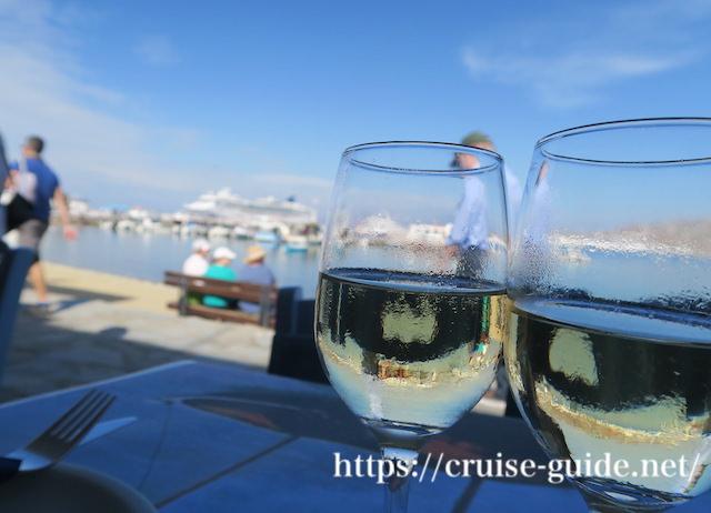 ミコノス島で飲むワイン