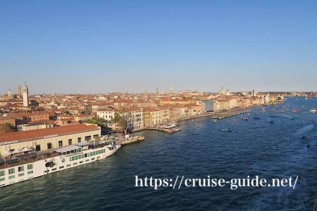ヴェネチア 港