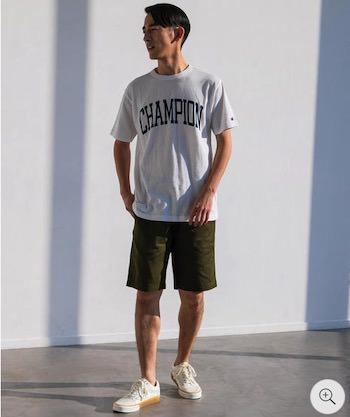 ハーフパンツとTシャツ